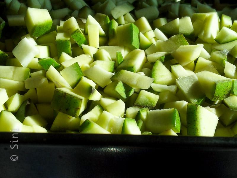 Cut mangoes 2
